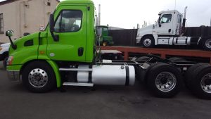 2013 FREIGHTLINER CASCADIA Conventional - Day Cab, Tractor driv-side-1-150x150