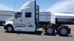 2014 IHC 9400 Conventional - Sleeper Truck, Tractor side-driv-2-150x150