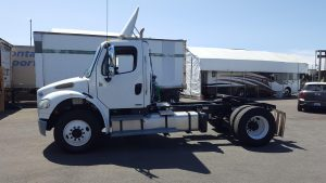 2012 Freightliner M2 106 w/Day Cab - Single Drive Axle o3-150x150