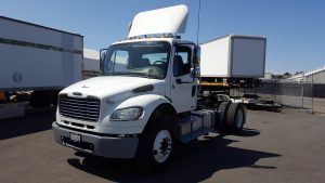 2012 Freightliner Day Cab Single Drive axle o4-150x150