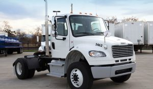 FREIGHTLINER    M2-106    SINGLE AXLE TRACTOR  AIR RIDE SUD_Truck-15-00-798x466-1-150x150